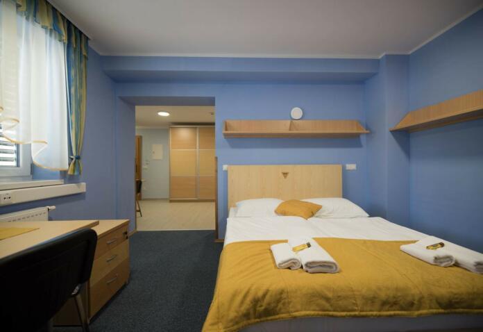 S hotel soba 4