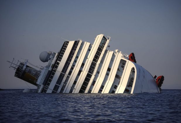 Prevrnjena Costa Concordia