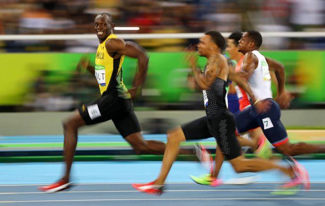 Najhitrejši človek Usain Bolt gleda nazaj na nasprotnike