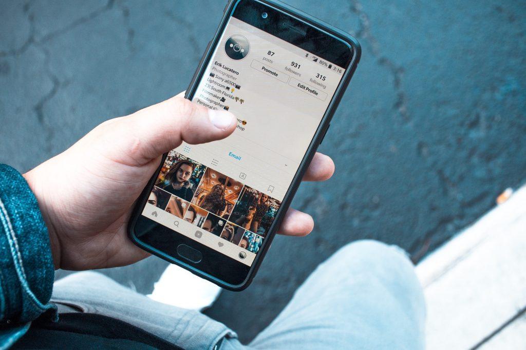 Instagram na otelefinu