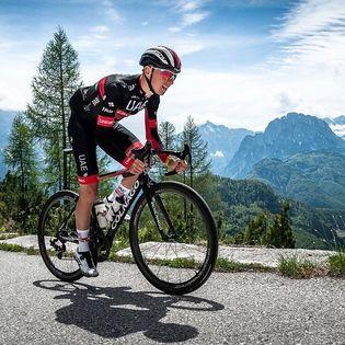 Tadej Pogačar na kolesu